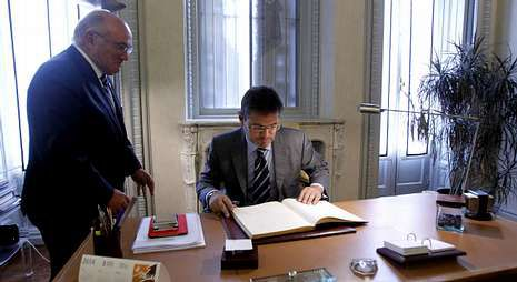 El presidente del Consejo General de la Abogacía, Carlos Carnicer, con el ministro Rafael Catalá.