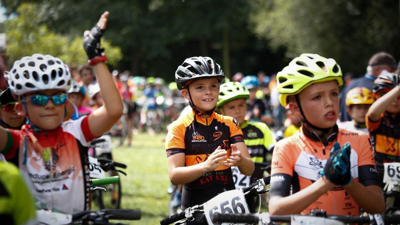 MINI BTT MACEDA.Más de 400 ciclistas de toda Galicia participaron en esta edición.