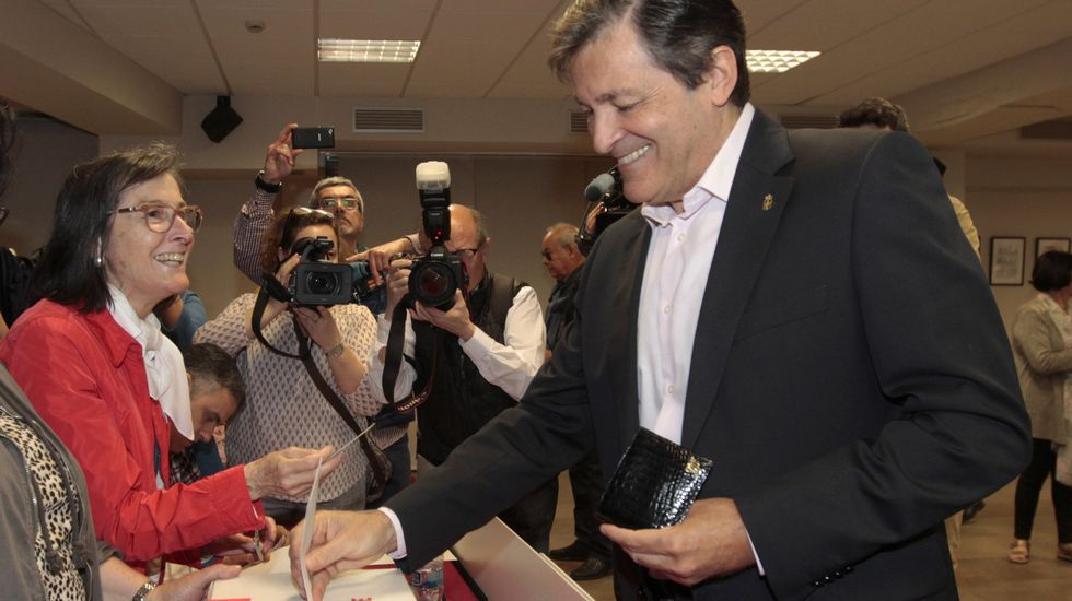 Presupuesto participativos de Oviedo.Javier Fernández y Jesús Gutiérrez