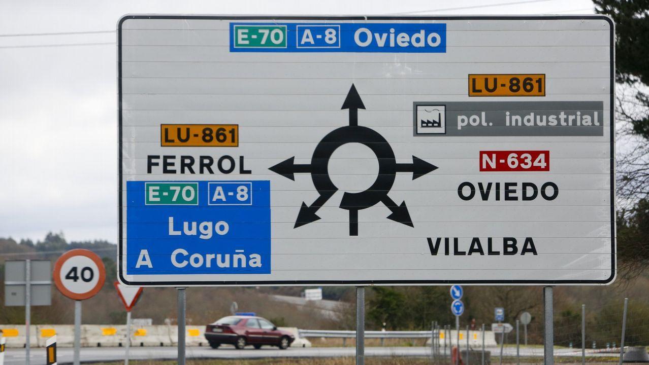 Bebé pie mano.Votaciones en las elecciones municipales del 2015 en A Coruña