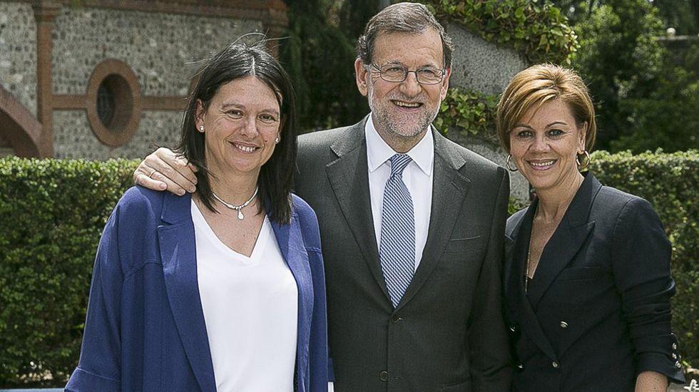 Susana López Ares con Mariano Rajoy y Dolores de Cospedal.Susana López Ares con Mariano Rajoy y Dolores de Cospedal