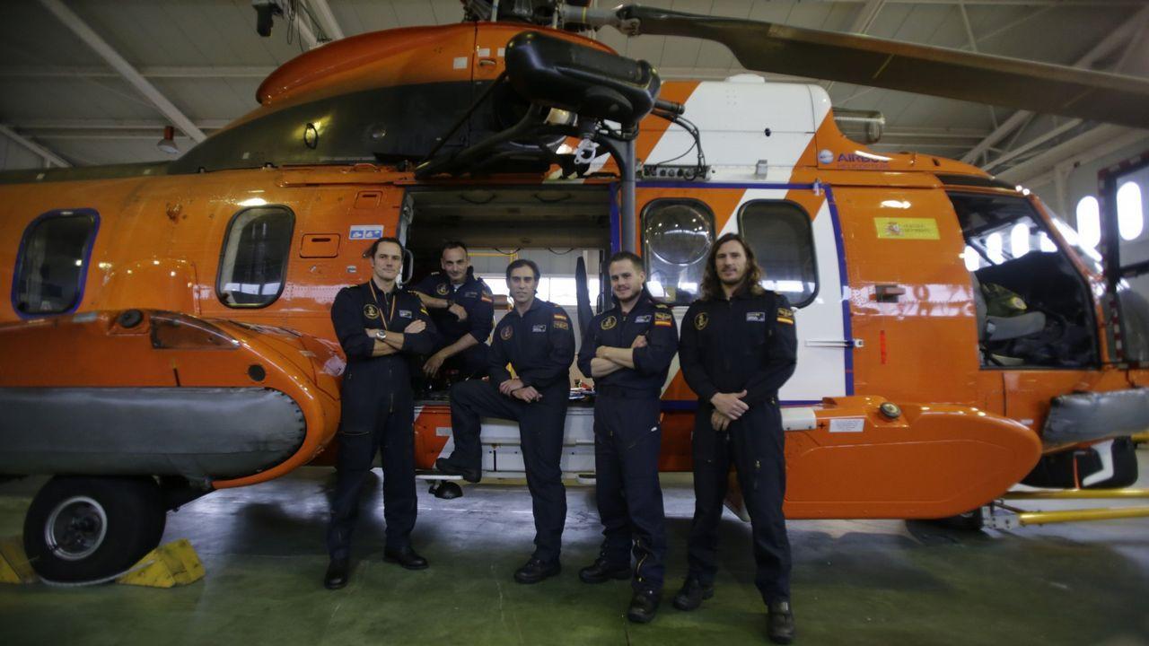 Salvamento Marítimo cumple 25 años y abre sus puertas.Los inmigrantes rescatados llevaban 48 horas en el mar, sin comida ni bebida