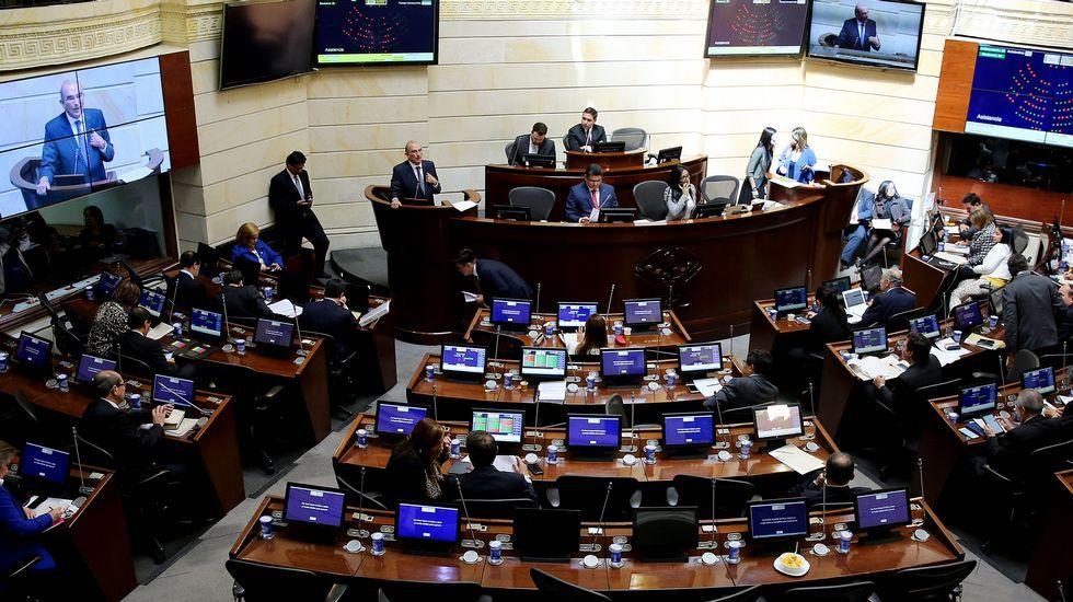.El Senado colombiano vota a favor del acuerdo de paz con las Farc