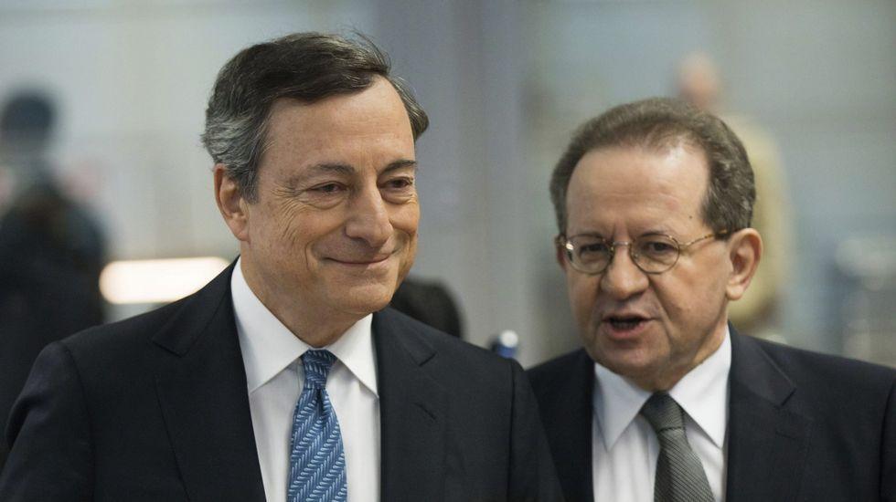 El ministro español de Economía, Luis de Guindos, y el director gerente del Mecanismo de Estabilidad, Klaus Regling