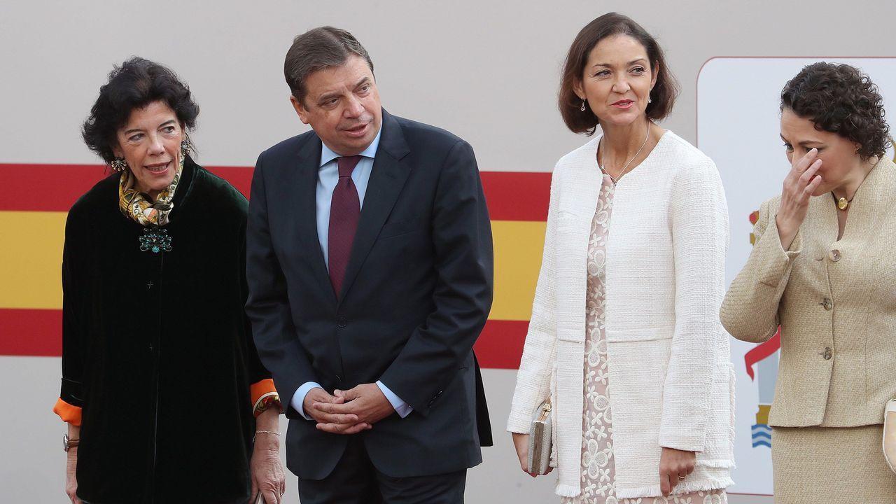 Desfile del Dia de la Fiesta Nacional: Isabel Celáa, Luis Planas, Reyes Maroto y Magdalena Valerio