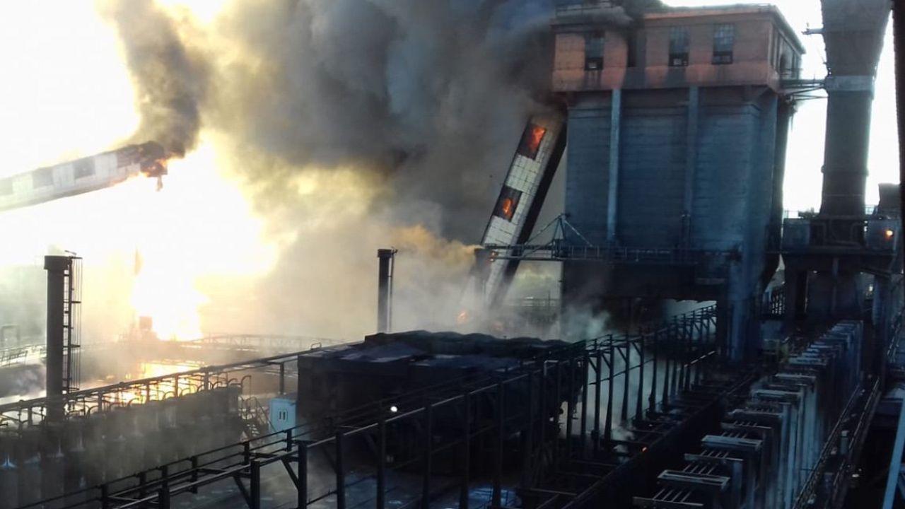 Las imágenes del incendio de Arcelor.El incendio en la batería de Cock