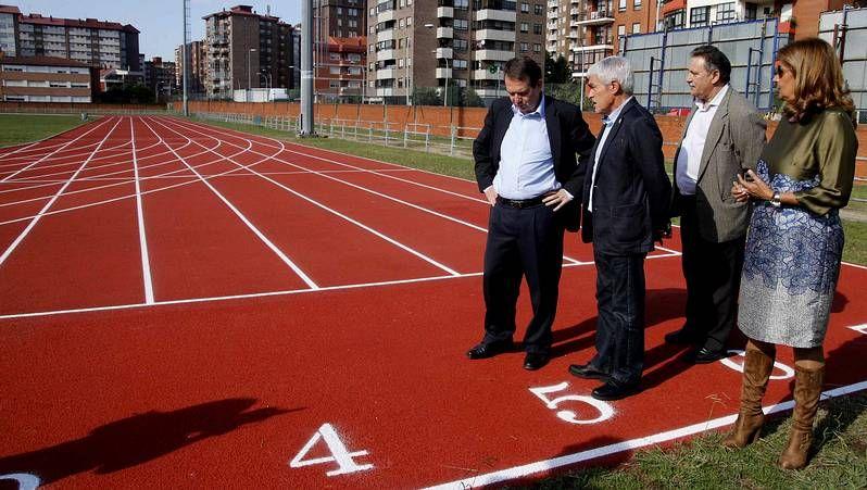 La soledad del alcalde de Vilagarcía en su propio partido ha ido creciendo con el tiempo.