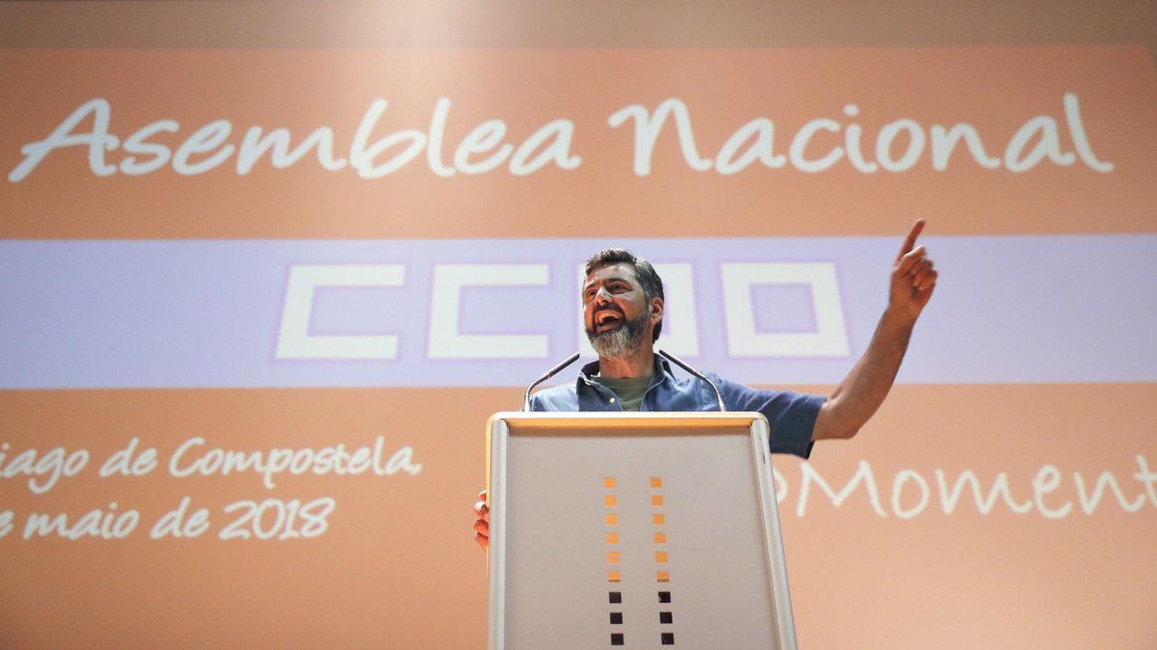Sarmiento: «O crecemento económico ten que notarse na sociedade».Nino Torre, Javier Fernández y Marcelino Marcos