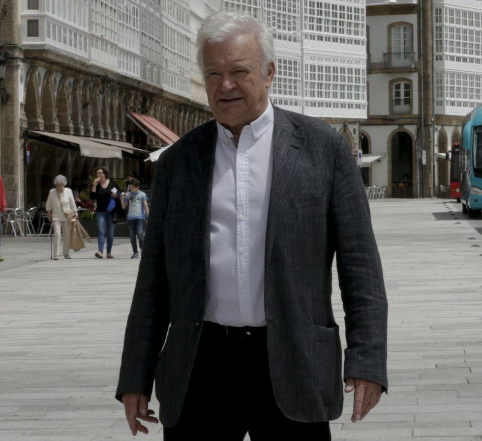 Carlos Casares protagonizará o Día das Letras Galegas de 2017
