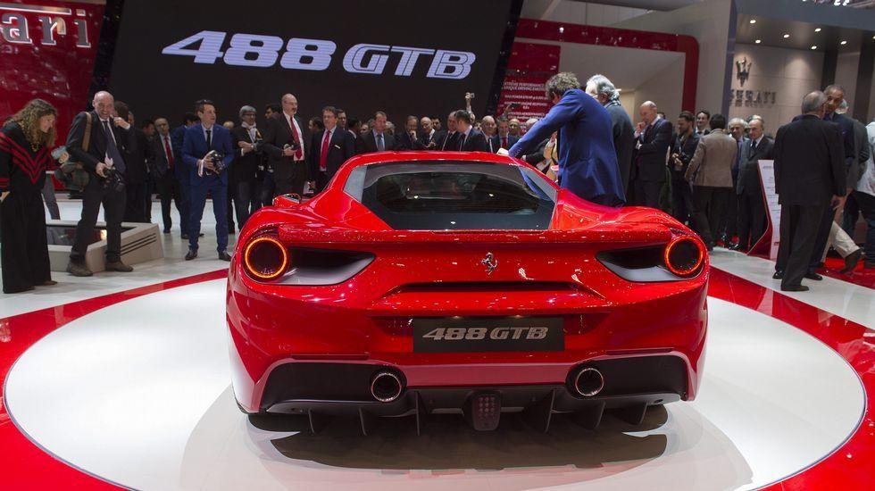 El nuevo Ferrari 488 GTB es presentado durante la jornada abierta a la prensa del Salón del Motor de Ginebra.