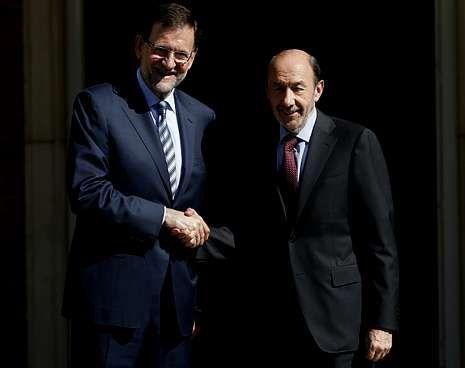 Alfonso Guerra: «Hace mucho que el PSC dejó de ser un partido socialista».Amaiur escenifica su rechazo con un «autocastigo»