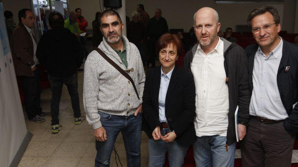 André Lavandeira, segundo por la derecha, en un acto político durante la campaña de las elecciones municipales del 2015