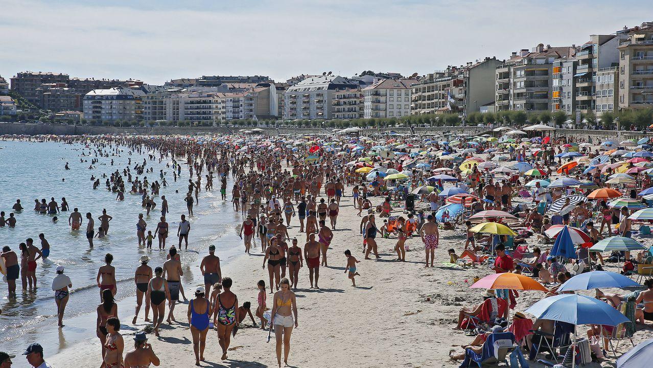 Casado estrechó la mano en el puerto de Algeciras de algunos de los inmigrantes rescatados
