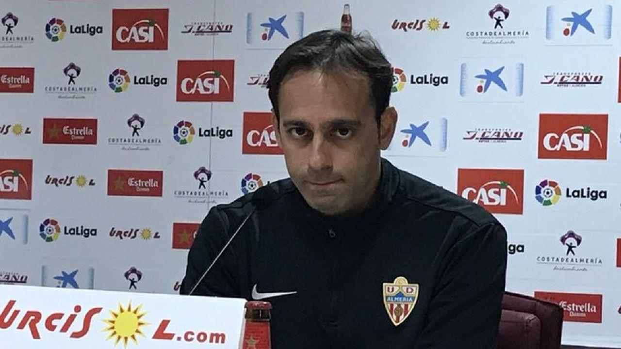 Diegui Johannesson Owona Real Oviedo Almeria Carlos Tartiere.Fran Fernández en sala de prensa