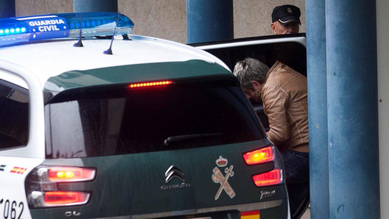 Juan Carlos Quer entregó al juez instructor del caso Diana la carta del Chicle.El Chicle, a su salida de la nave de Asados, donde fue localizado el cuerpo de Diana Quer