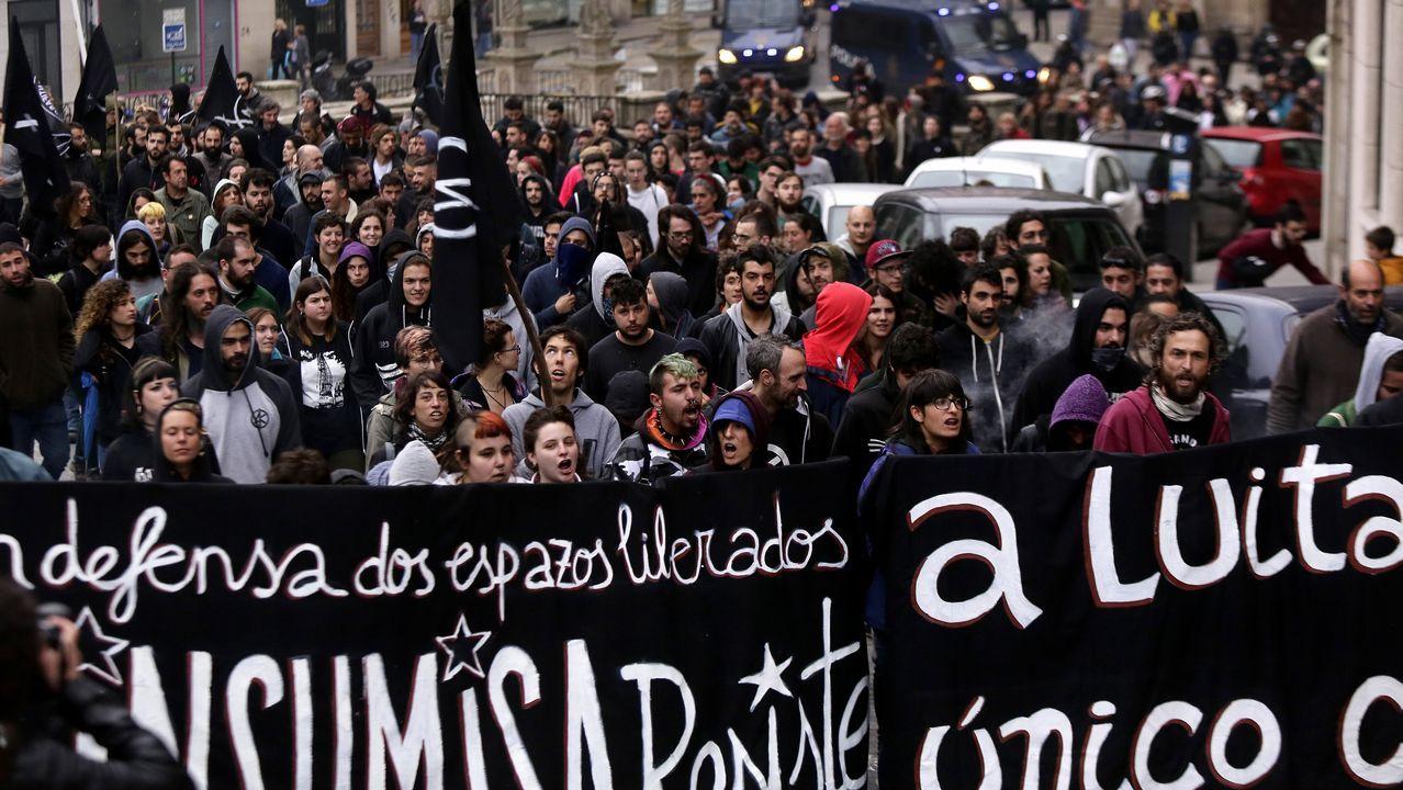 La marcha en contra del desalojo de A Insumisa