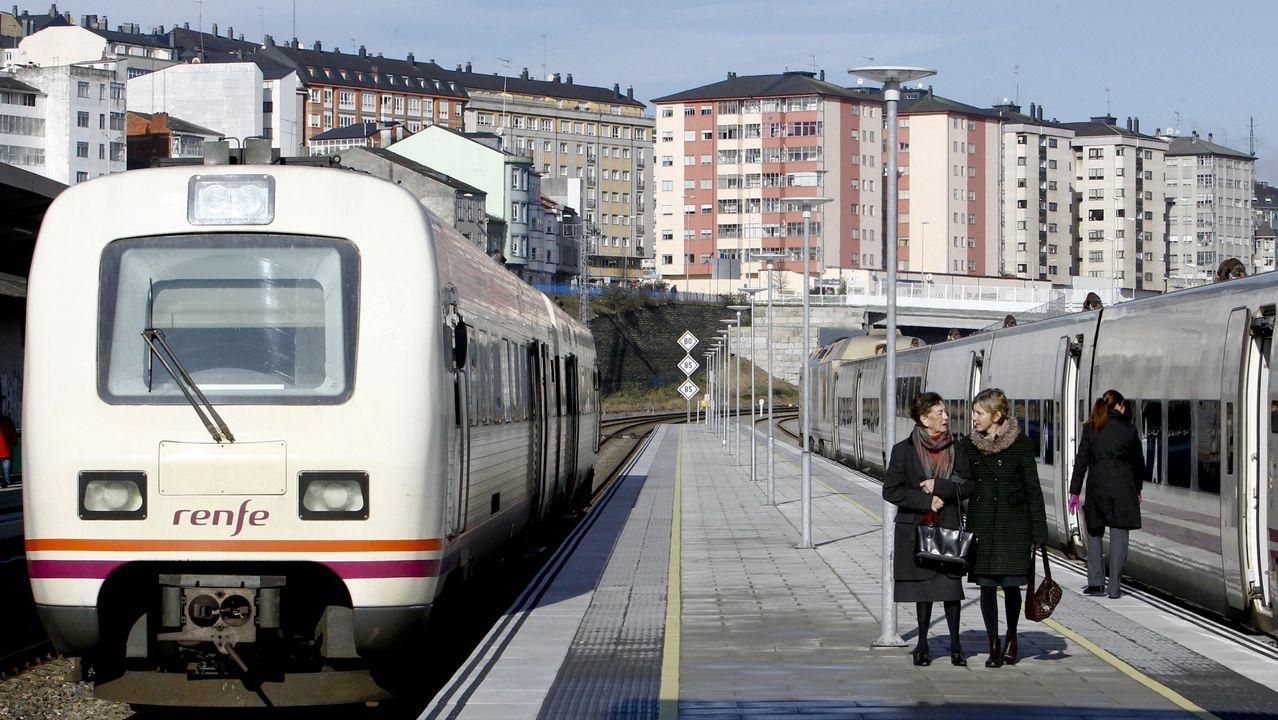 Viaducto de O Eixo, en el AVE Santiago-Ourense. Tiene 1.224 metros de longitud y cuenta con 25 pilares