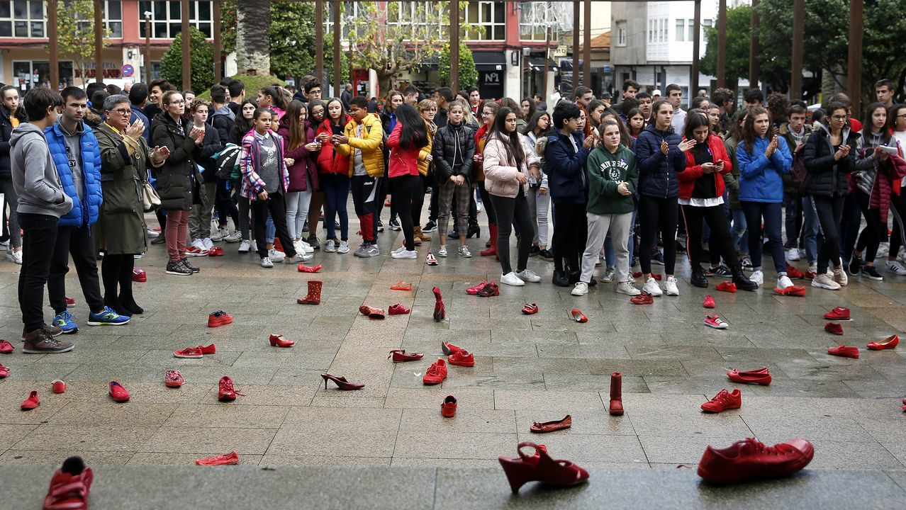 Pedro Sánchez llena en Gijón.Manifestación 8-M en Oviedo