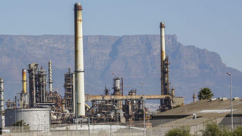 Citroen E-Mehari.Una refinería de Chevron en Sudáfrica