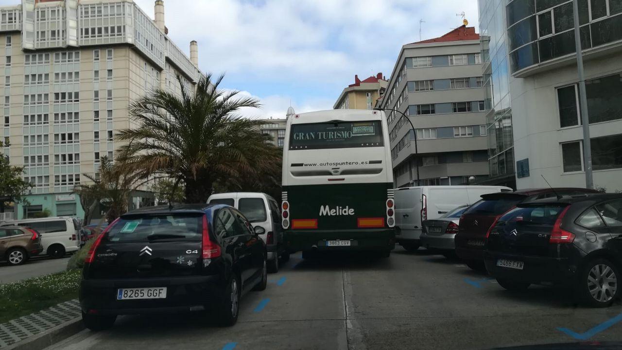 El Ventura, atracado en A Coruña.Atasco Zalaeta