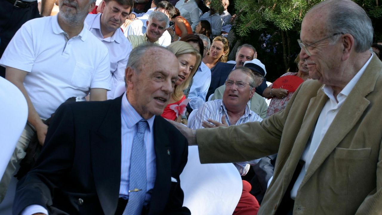 .Cumbre del PP en Ribadumia en el pazo Quinteiro da Cruz donde Manuel Fraga confirma el relevo como candidato de la Xunta en presencia de Mariano Rajoy, Fraga y Fernández Albor.