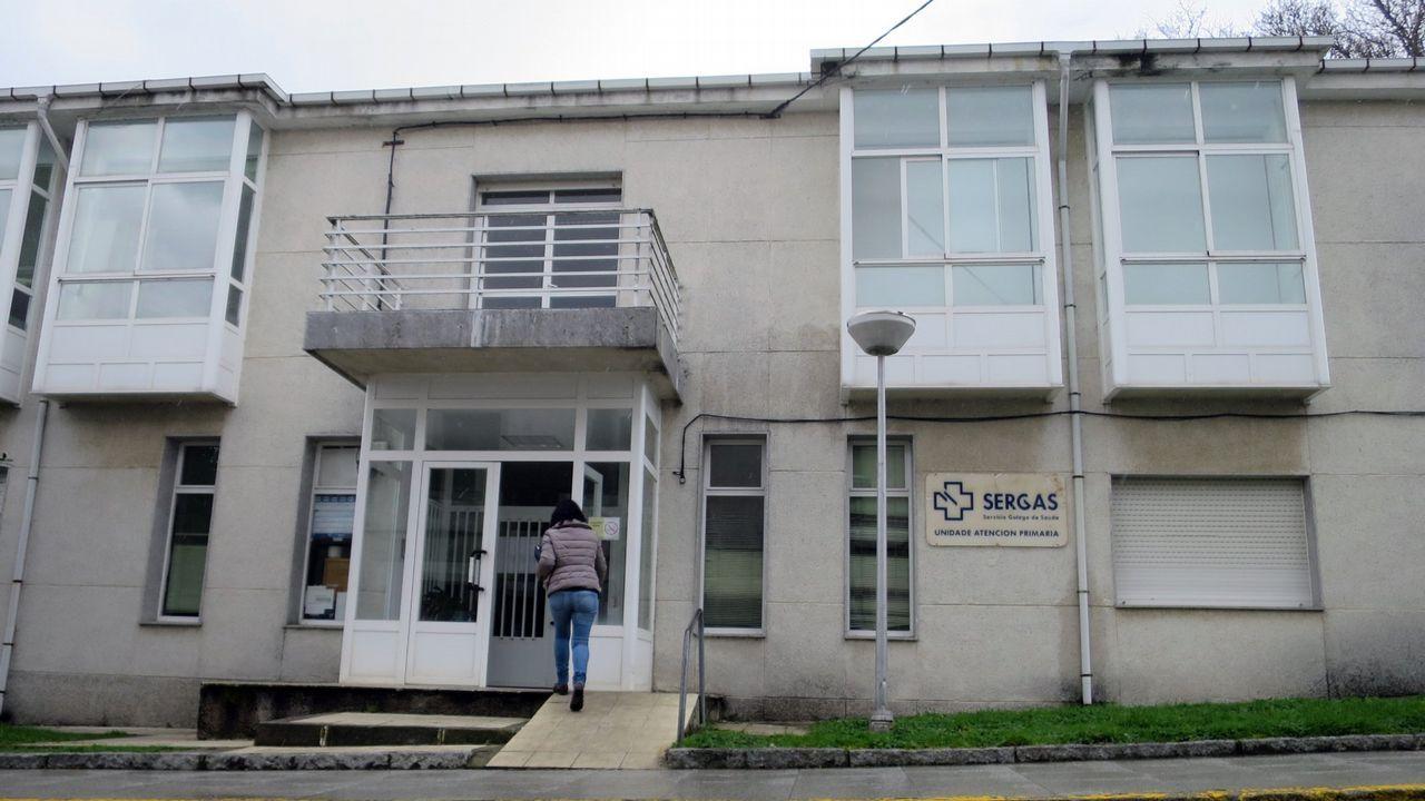 Las mil y una marquesinas gallegas.Psicólogos clínicos piden tener funciones en los centros de salud