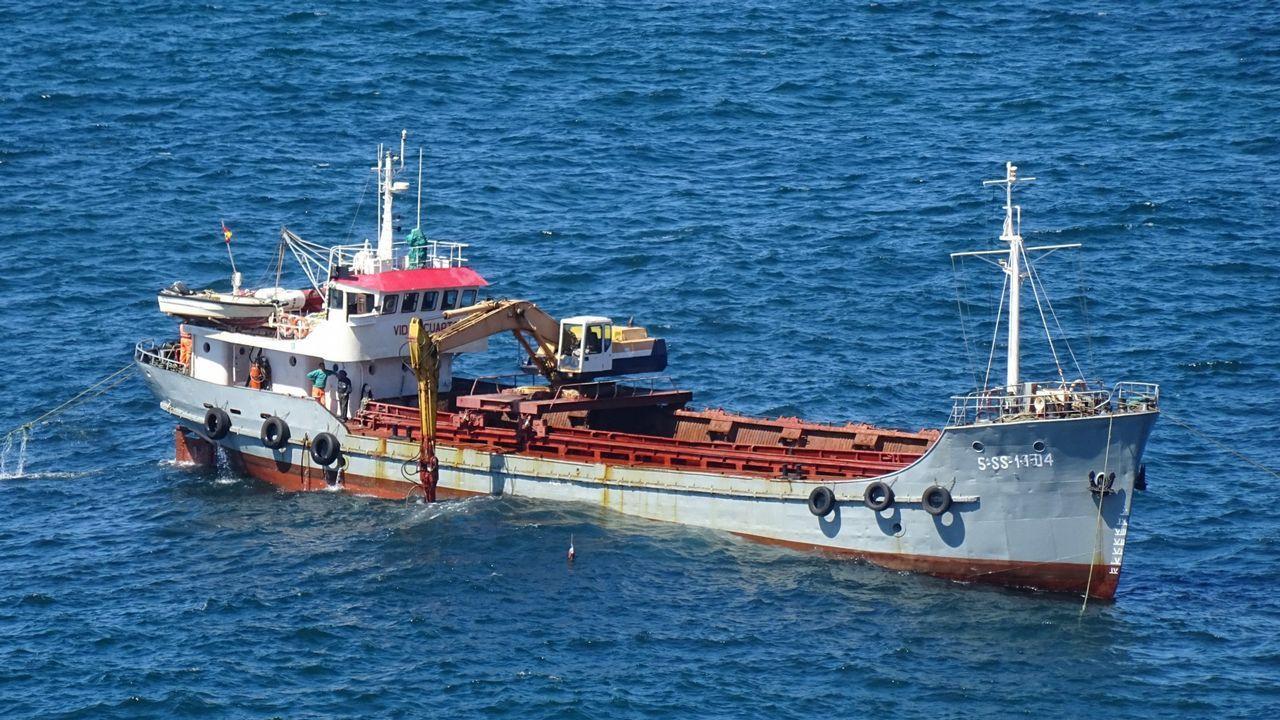 Pese a la oposición de buena parte de la Costa da Morte, el Casón comenzó a ser desguazado hace unos meses