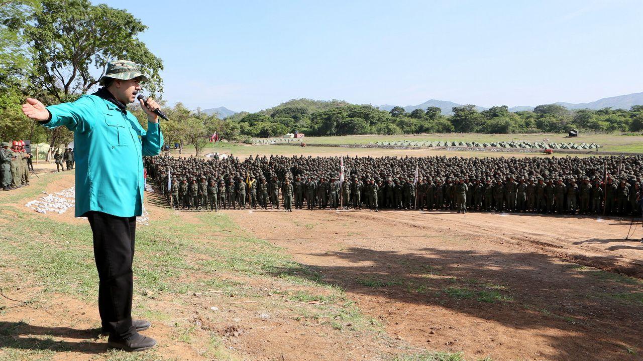 Nicolás Maduro arenga a las tropas en la base de El Pao, en el estado de Cojedes