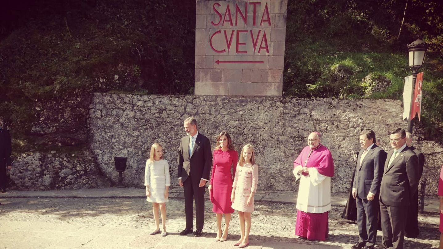 .La familia real llega a Covadonga en el Día de Asturias