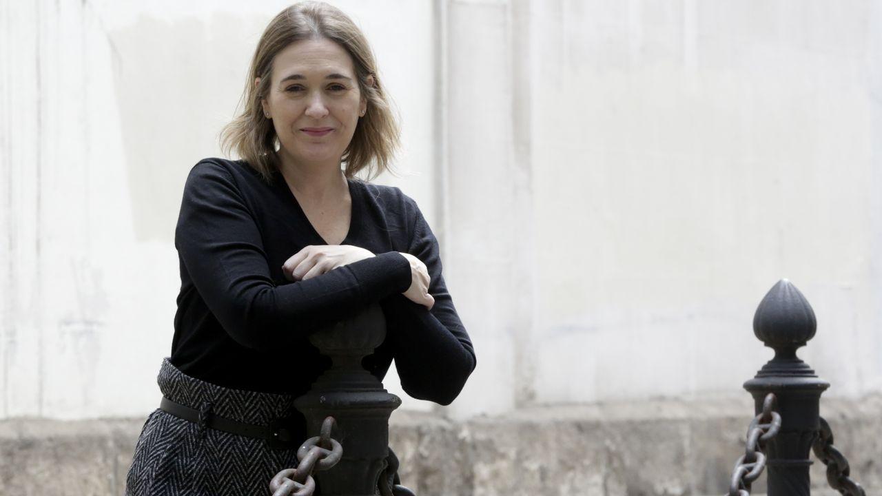 A Marta Rivera le acompaña su marido al final de la lista de Ciudadanos por A Coruña