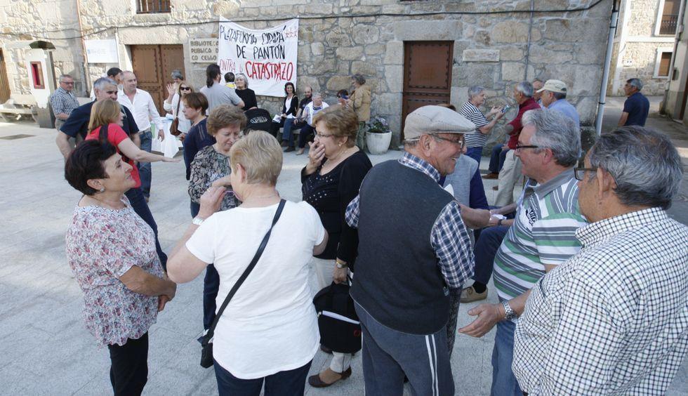 La Sagrada Familia acoge lamisa por las víctimas.Wenceslao López, Alcalde de Oviedo