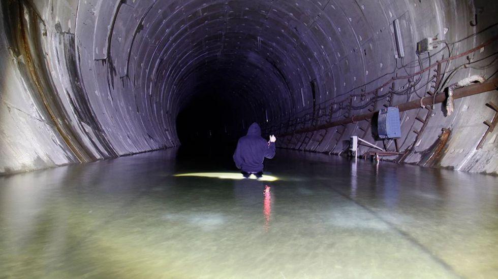 El túnel del metrotren de Gijón, totalmente inundado.Esquema de la futura propuesta de XsP para el Plan de Vías de Gijón
