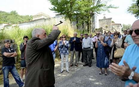 Un vecino de Guipúzcoa se presentó ante el edificio donde vive para exigirle el dinero.