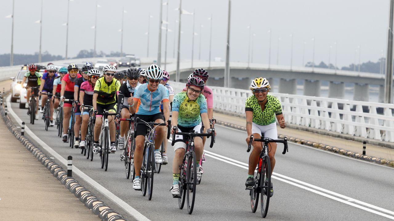 Más de una veintena de mujeres formarán el primer club ciclista gallego femenino.