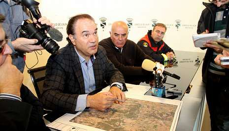 El alcalde explicó en rueda de prensa sobre el plano de Casas Vellas detalles de la reunión con Fenosa.