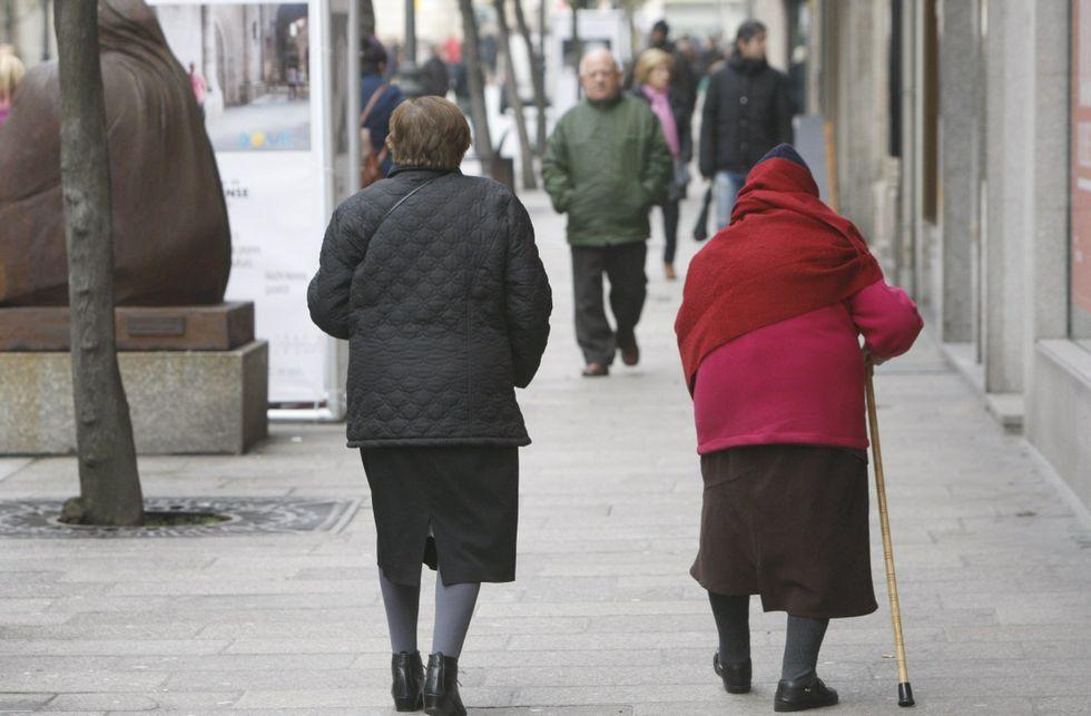 El alto envejecimiento y el hecho de tener las pensiones más bajas aumenta el riesgo de pobreza.