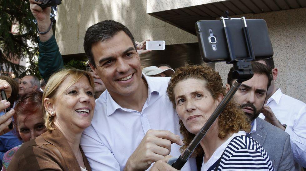 Pedro Sánchez: «Si no gana el PSOE en España, no habrá cambio».Marina Rial empezó comprobando los premios de la lotería en un cartón, hoy, afortunadamente dice, lo hacen las máquinas.