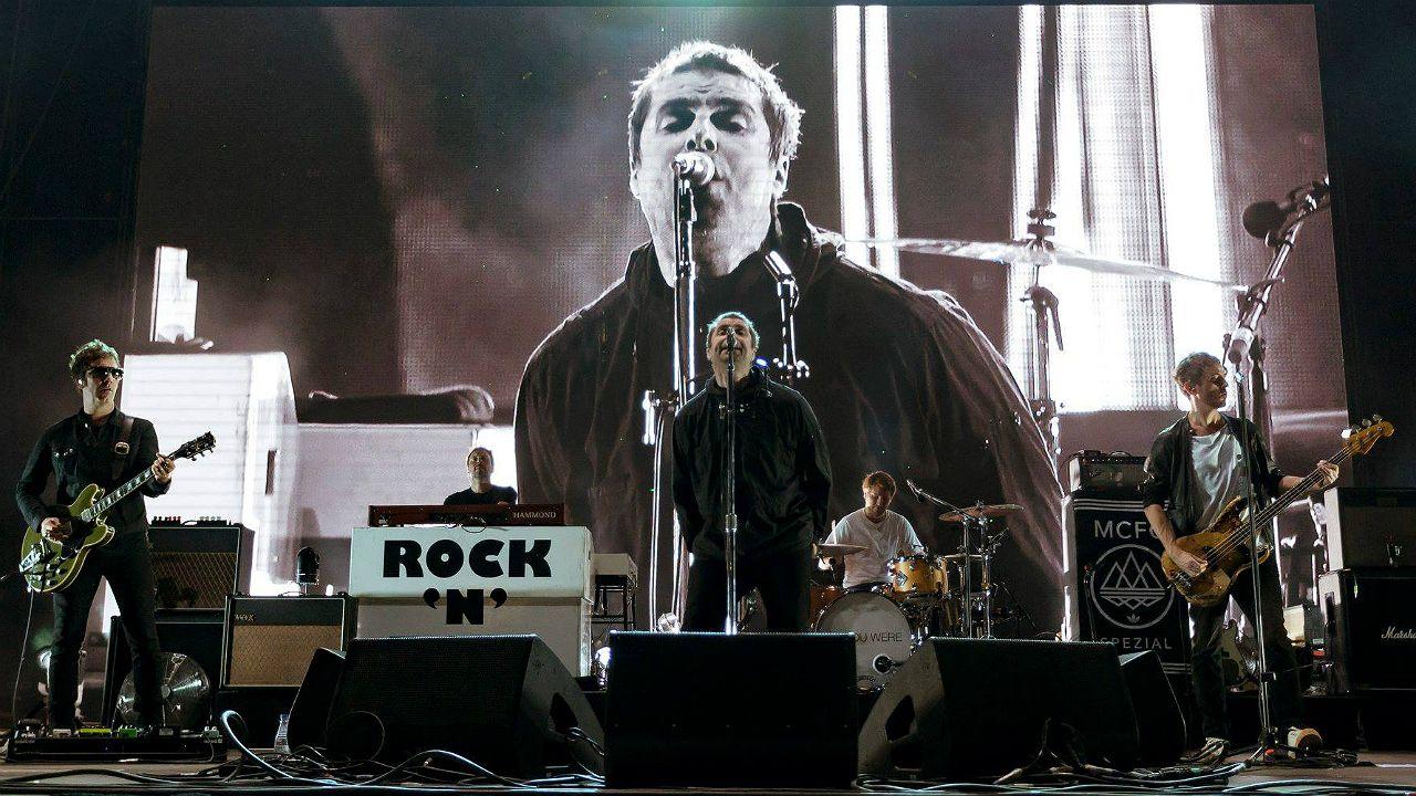 .Liam Gallagher durante concierto en el Festival Internacional de Benicàssim 2018