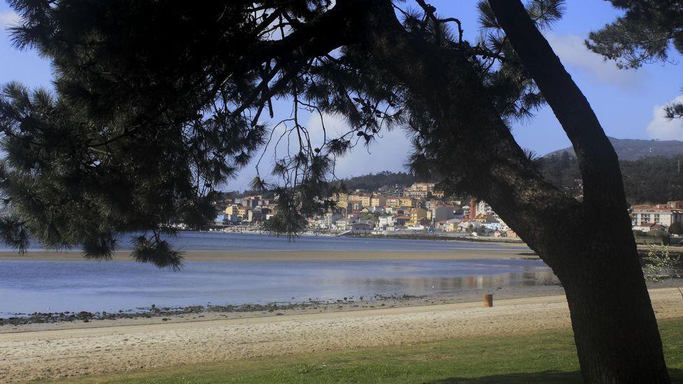 Playa de Retorta, en Boiro.Playa de Barraña, en Boiro