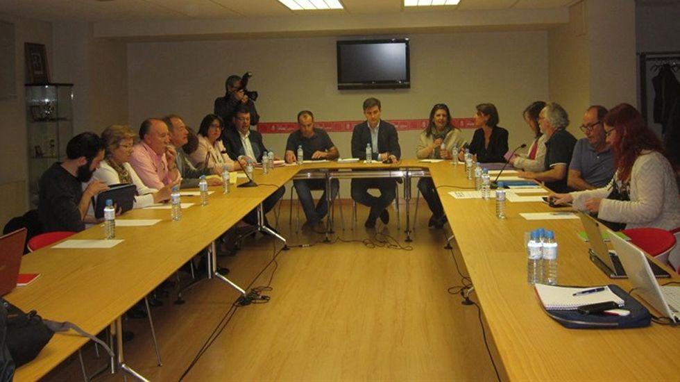 Negociaciones postelectorales tras el 15-J en la Casa del Pueblo de Gijón