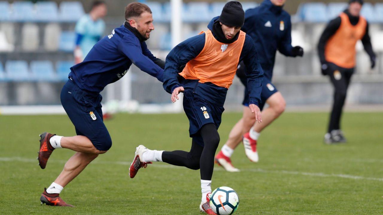 Fabbrini Valentini Requexon Real Oviedo.Fabbrini y Valentini, durante un entrenamiento