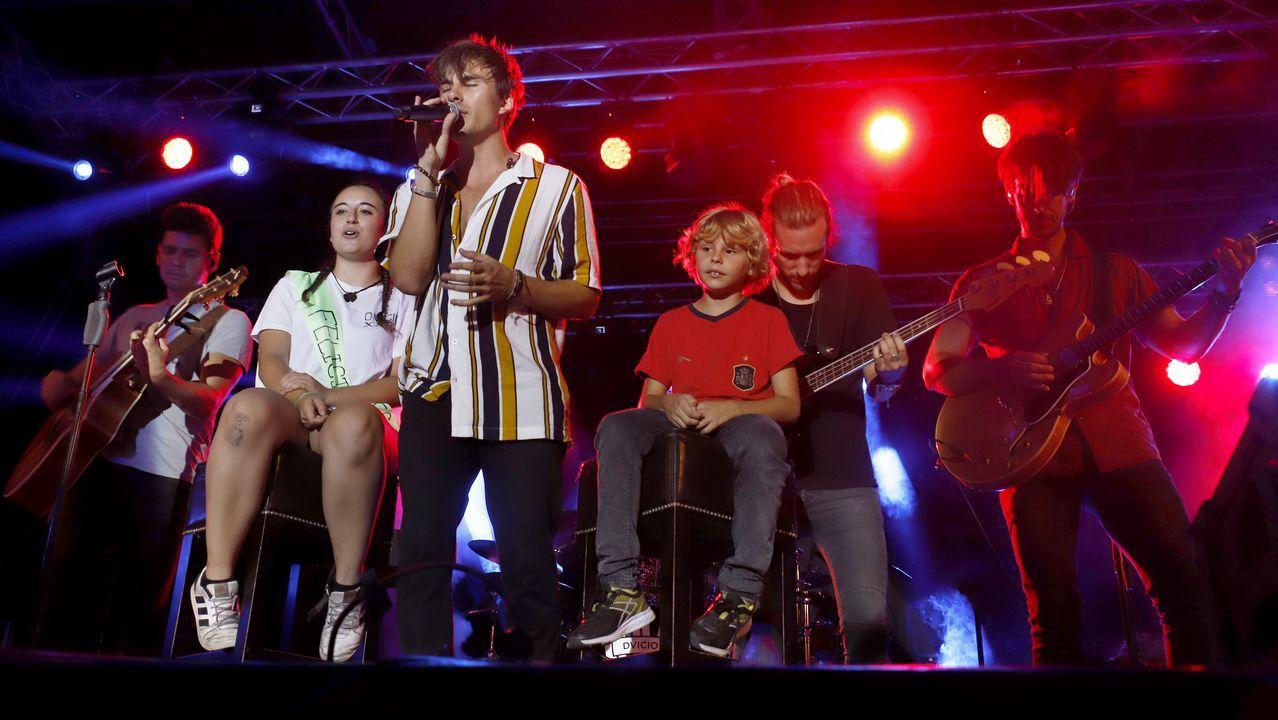 ¡Búscate en el concierto de Dvicio en Ribeira!.
