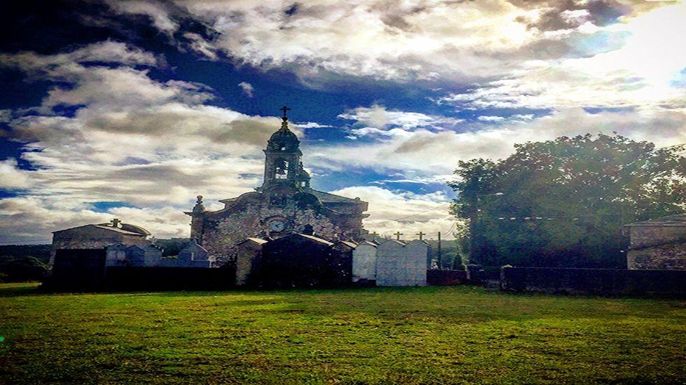 Iglesia de San Vicente de O Burgo.