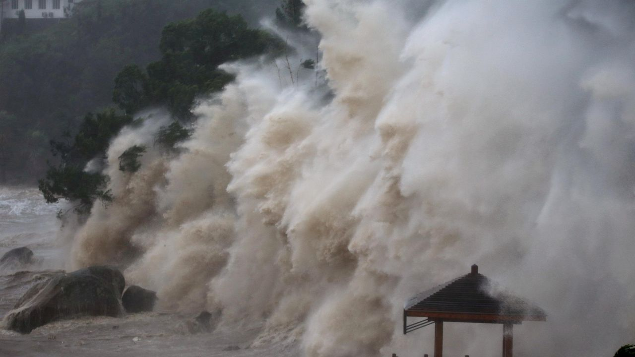 .Oleaje en la costa de Wenzhou, en China, durante el tifón María