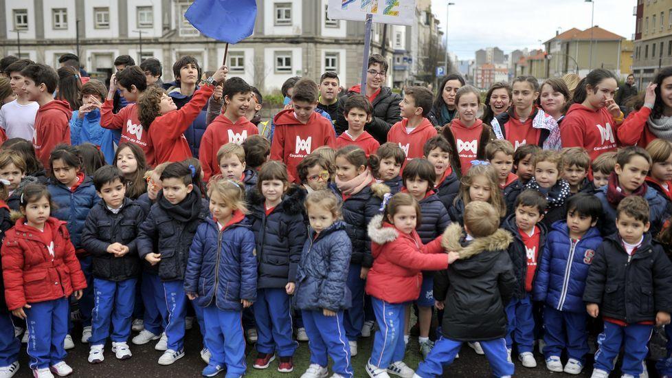 La Compañía de María tomó la plaza de España por el Día de la Paz