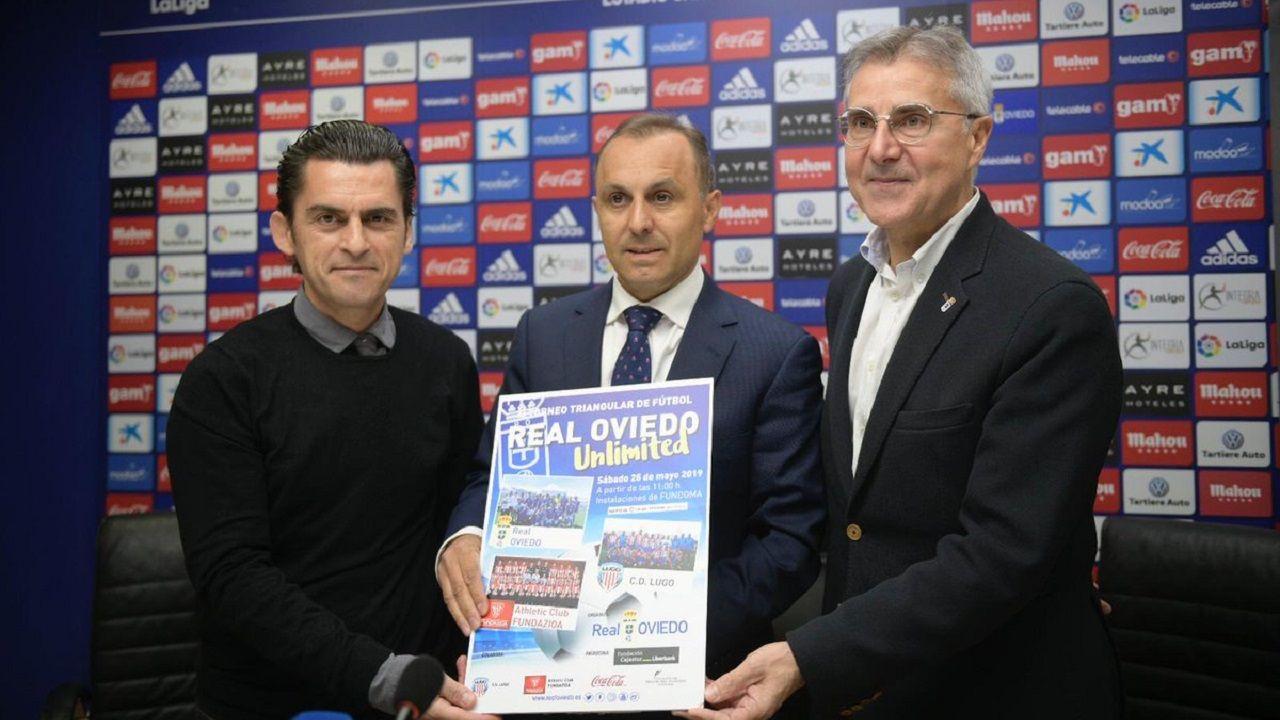 Pompei Real Oviedo.Fernando Corral, en el centro, junto a los otros organizadores del torneo