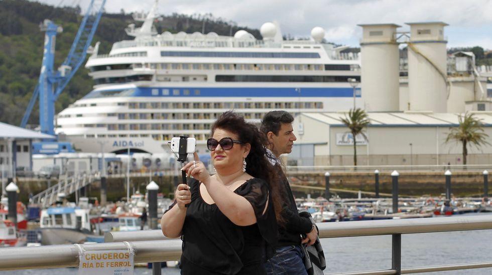 .En la fotografía, un crucero de la naviera Aida atracado en Ferrol