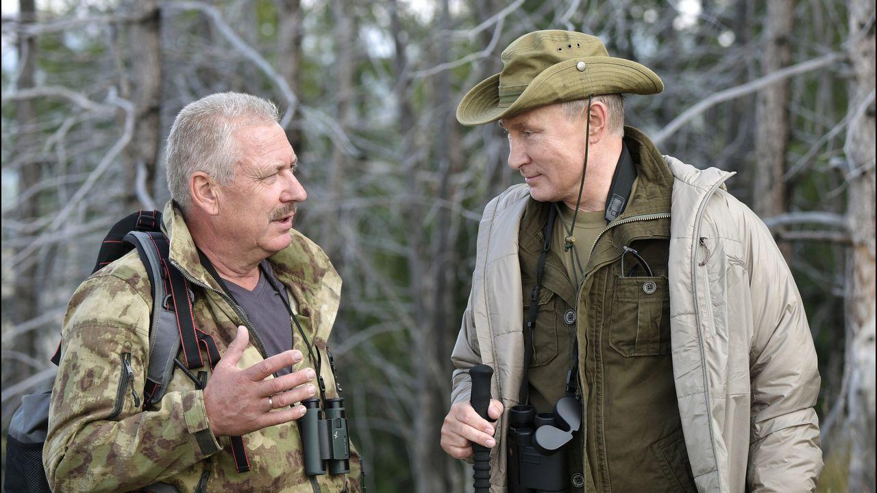 .En la nueva doctrina militar aprobada en 2015, el presidente ruso, Vladímir Putin, prestó especial atención al Ártico, que ha pasado a ser una de las prioridades de la defensa nacional para las próximas décadas