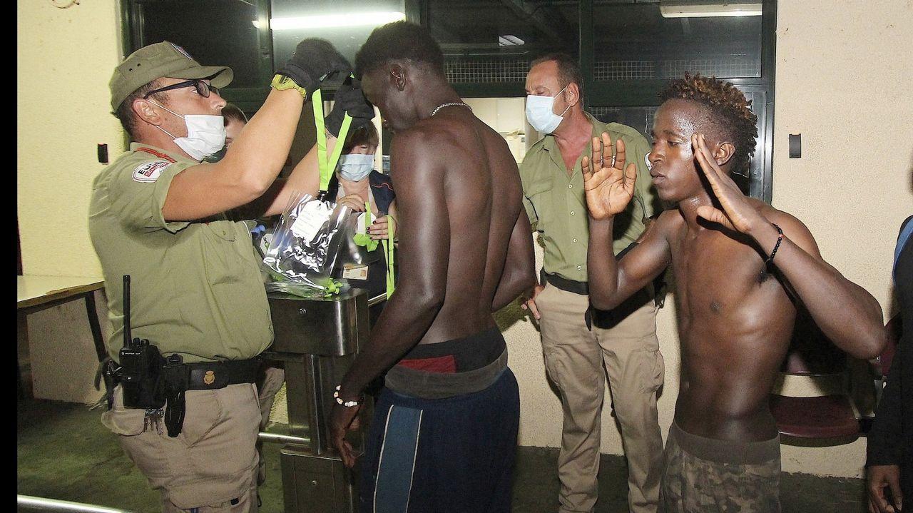 Última avalancha de migrantes que logró cruzar  la frontera de Marruecos a Ceuta