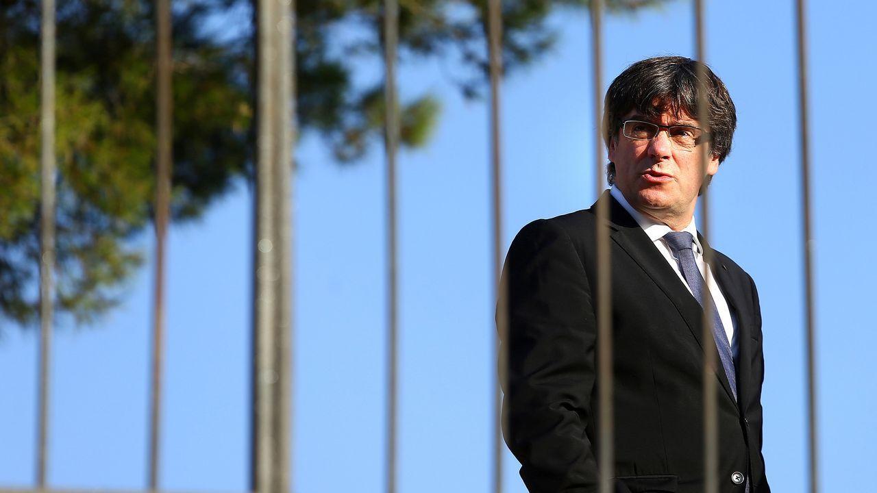 El PDeCAT le pide a Puigdemont que declare la independencia si Rajoy aplica el 155.Carles Puigdemont